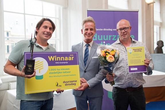Lodewijk Hoekstra nam namens de Green Deal partners de prijs in ontvangst.