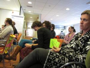 Tijdens een workshop kan iedereen zijn ideeën delen met de aanwezigen.